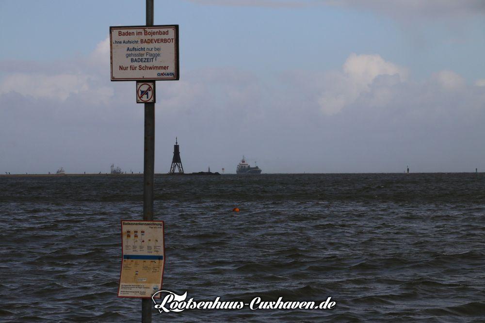 Grimmershoern Oktober Elbe Schiffe Cuxhaven