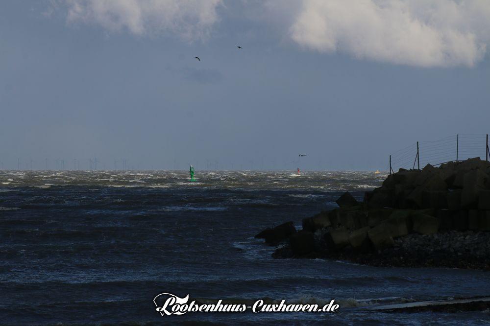 Sturm auf der Elbe vor Cuxhaven