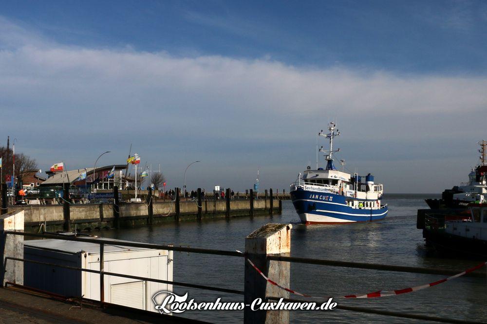 Cuxhaven Alter Hafen blauer Himmel Schiff Jan Cux Frühling Schönes Wetter