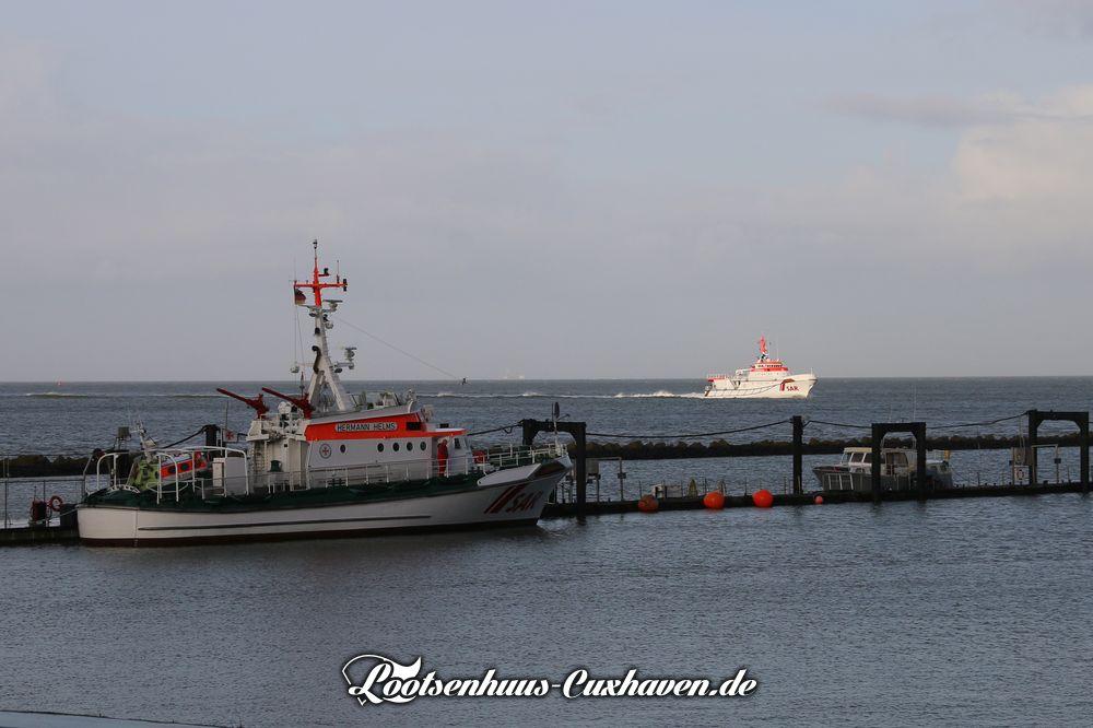 Seenotkreuzer Hermann Helms und Hermann Marwede in Cuxhaven