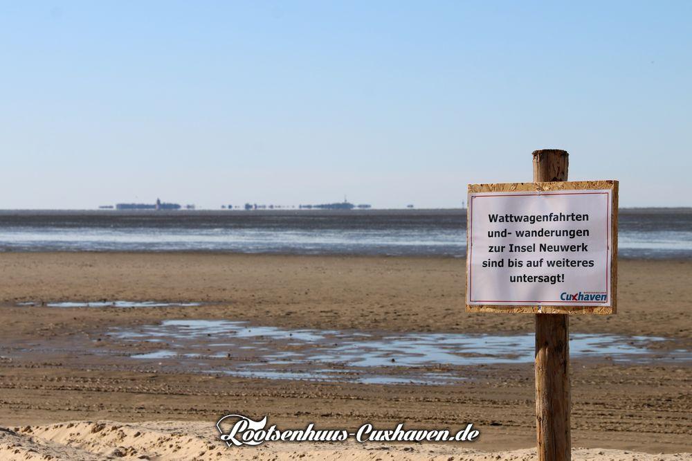 Weg nach Neuwerk durch das Watt ist gesperrt in Cuxhaven Duhnen