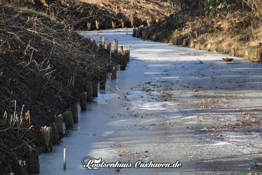 Wetter in Cuxhaven im Winter 2020/2021 - Es war frostig und die Wettern sind noch zugefrohren